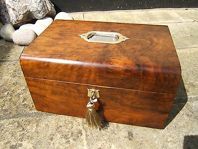 Superb 19C Victorian Figured Walnut Antique Jewellery Box - Fab Interior
