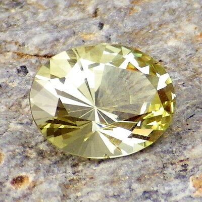 YELLOW GREEN APATITE-MEXICO 1.63Ct FLAWLESS-VERY INTENSE COLOR-FOR JEWELRY!
