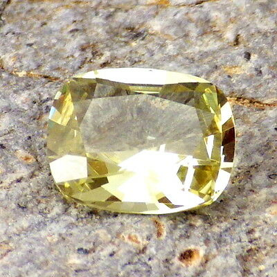 YELLOW GREEN APATITE-MEXICO 1.84Ct FLAWLESS-VERY INTENSE COLOR-FOR JEWELRY!