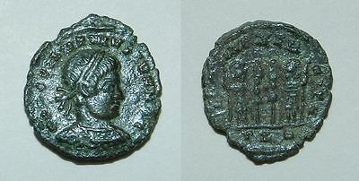ANCIENT ROME :  BRONZE COIN - 4th Century A.D.  GOOD PORTRAIT