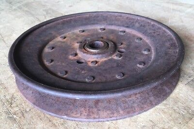 """Large Old Vintage Cast Iron Metal Pulley Gear Wheel Industrial Farm Base 7 1/4"""""""