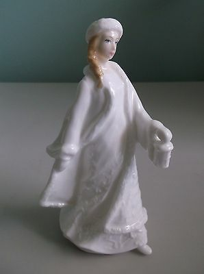 ROYAL DOULTON Sentiments Lady w/ Lamp Figurine CHRISTMAS LANTERN