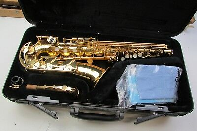 Yamaha YAS-275 Saxaphone in case great condition made in japan