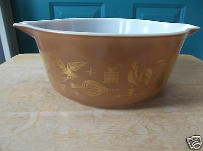 Retro Pyrex Glass Early American Pattern 2 1/2 Quart Cinderella Casserole Dish