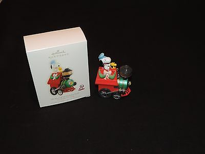 Hallmark Snoopy Peanuts Gang Train Christmas ornament All Aboard for Holiday Fun