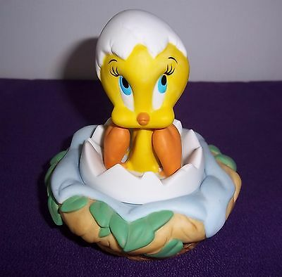 Goebel Looney Tunes Tweety Bird Nest Egg 1999 Warner Brothers Trinket Box Baby