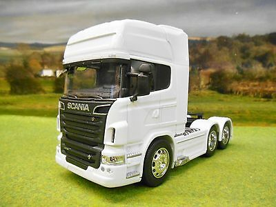 Welly 1/32 Scania V8 R730 6 Wheel Tractor Unit Truck White 32670L-W