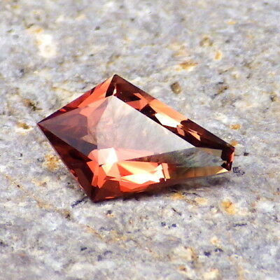 PINK-ORANGE-GREEN OREGON SUNSTONE 0.87Ct FLAWLESS-FROM PANA MINE-RING SIZE!