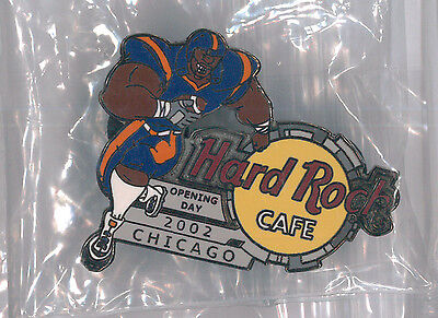 Chicago Hard Rock Cafe pin - Opening Day 2002 - Bears Football - HRC badge