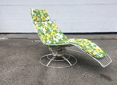 Vintage Homecrest Mid Century Sculpture Wire Outdoor Floating Chaise Lounge