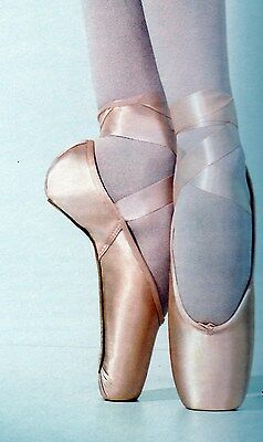 NEW in box Capezio Aria Pointe Shoes Satin Toe Shoes #121 M W WW widths