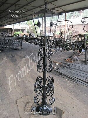 Wrought And Cast Iron Victorian Style Single Streelight