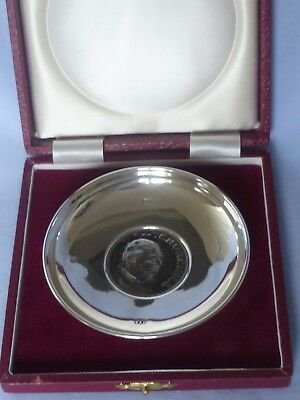 Boxed solid silver presentation dish with inset QE11 Churchill crown