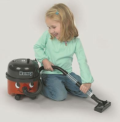 Henry Vacuum Cleaner Kids Includes Brush And Dustpan 100% Official New