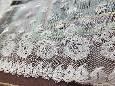 Very pretty length of antique Malines / Mechlin lace c 1830-50 Early Victorian