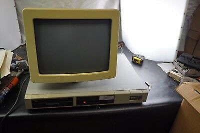 WYSE Computer Model WY-1100-2 and Monitor Model WY-500