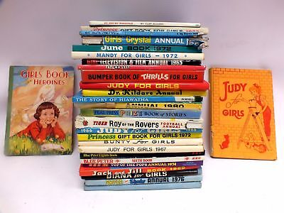 Mixed Vintage Collection 28X CHILDREN'S ANNUALS Hardback Books - W56