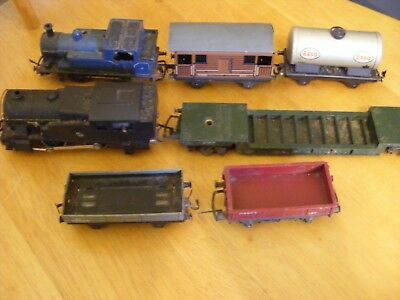 Collection of 2 old Electric Trains with Carriages 00 Gauge - not sure if workin