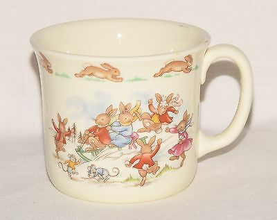 ROYAL DOULTON Bunnykins Mug Bunnies Sledding & Snowman