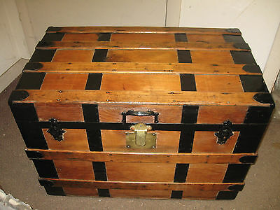 ANTIQUE STEAMERl Trunk refinished