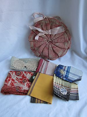 Collectable crocheted holder + lot vintage 1940s Embassy Majestic Duboil hankies