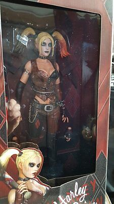 Neca Batman Arkham City Actionfigur 1/4 Harley Quinn 46 cm