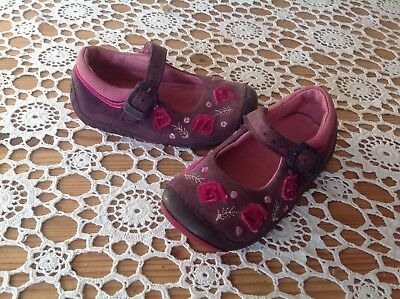 Baby girls CLARKS First Shoes size 4.5 E
