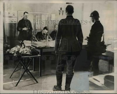 1939 Press Photo France a prisoner questioned at General Headquarters