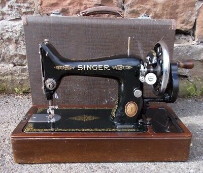 ANTIQUE Singer SEWING Machine 99k 1951 MANUAL Hand Crank In Case VINTAGE