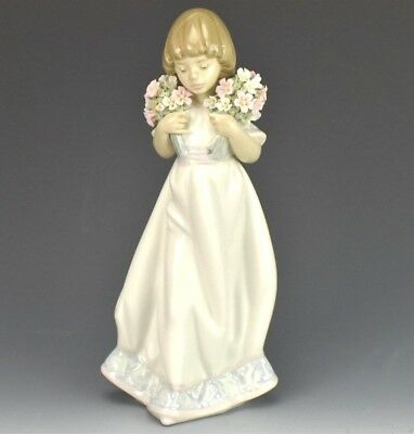 Retired LLADRO Spain Spring Bouquets 7603 Girl Flowers Porcelain Figurine NR KNH