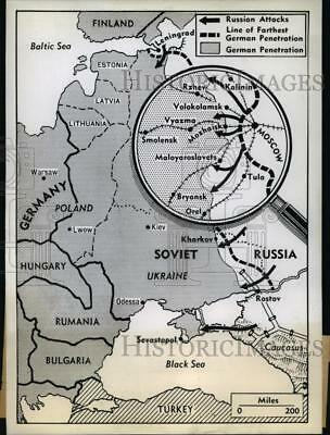1942 Press Photo Russian Fighters Regaining Ground on Germans Near Moscow