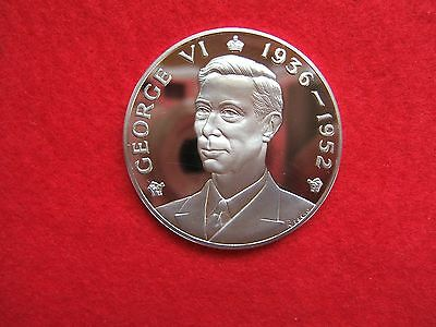 KING GEORGE  VI SILVER MEDALLION BY JOHN PINCHES LONDON.. 39grms............177