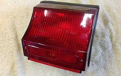 Vespa T5 125 Mk1 Rear Light Unit Complete..Top Quality  NEW!