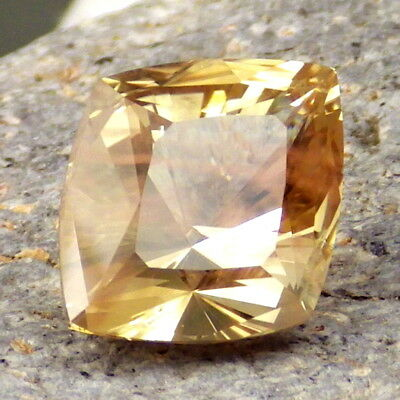 YELLOW-GOLD SCHILLER OREGON SUNSTONE 9.27Ct FLAWLESS-LARGE-FOR UNIQUE JEWELRY!