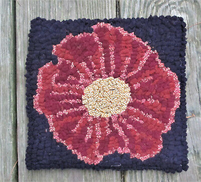 PRIMITIVE WILD FLOWER Beginner Rug Hooking KIT WITH #8 CUT WOOL STRIPS