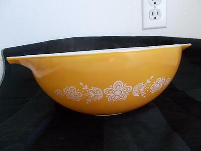 PYREX BUTTERFLY GOLD 444 glass NESTING BOWL vintage 4 quart very good condition