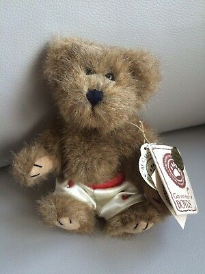 Boyd Bear Valentines Adult Collector Displayed
