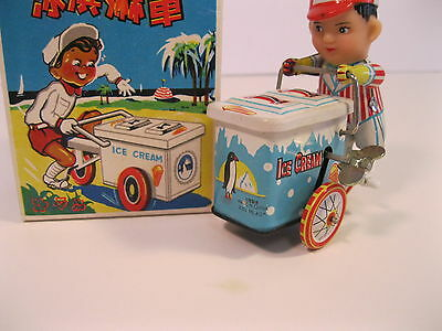 ICE CREAM VENDOR 1980's CHINA WIND-UP CLOCKWORK METAL w/BOX MINT MS405