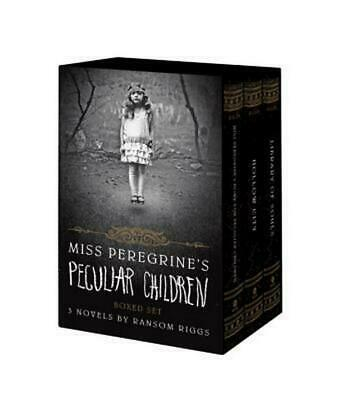 Miss Peregrine's Peculiar Children Boxed Set by Ransom Riggs (English) Paperback