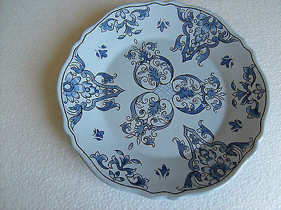 Assiette en faience de NEVERS