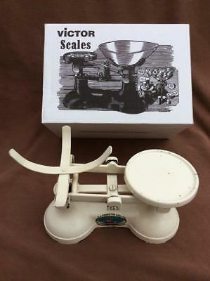 Kitchen balance scales, enamelled,  boxed.  Need weights and pan