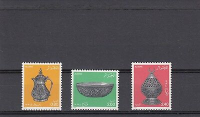 a132 - ALGERIA - SG887-889 MNH 1985 ORNAMENTAL TABLEWARE