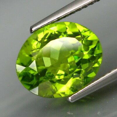 3.78Ct.Ravishing Color! Shimmering Lustrous Natural Green Peridot Pakistan