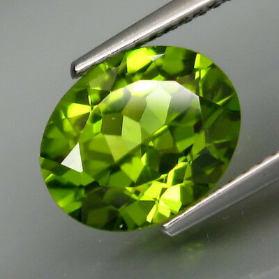3.70Ct.Ravishing Color&Clean! Shimmering Lustrous Natural Green Peridot Pakistan