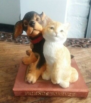 Country Artists Figure Friends Forever Kitten & Puppy On Book dog cat