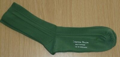 VINTAGE 1970's UNWORN MEN'S OLIVER GREEN RIBBED STRETCH NYLON  SOCKS