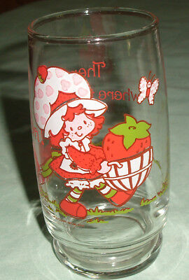 "1980 Strawberry Shortcake With Cat 5"" Glass American Greetings"