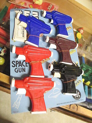 PEZ 1950s space gun ray rocket store display card flying saucer (6 guns +6 paper