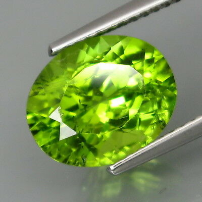 3.98Ct.Ravishing Color! Shimmering Lustrous Natural Green Peridot Pakistan
