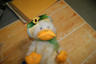 "Chantilly Lane 11"" Sunshine Duck Sings ""You Are My Sunshine"" New"